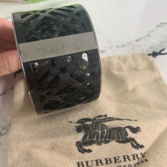 Black Resin Wide Burberry Bangle!